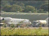 Footage of plane at RAF Northolt
