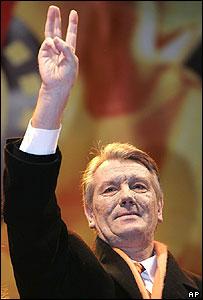 Viktor Yushchenko claims victory