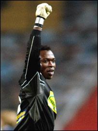 Espanyol's Cameroonian goalkeeper Carlos Kameni