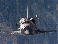Discovery space shuttle in orbit (Nasa photo)