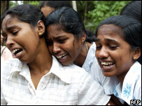 Sri Lankan Girls Mourn The Loss Their Parents Matara Lanka