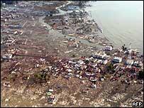 Aerial view of Meulaboh, Sumatra 28/12/04