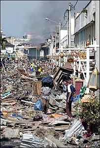 Destrucción en Banda Aceh (Bay Ismoyo/AFP/Getty Images)