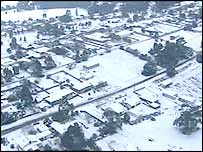 Snow blankets Australian town