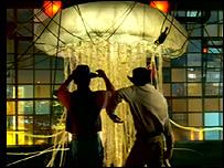 3's dancing jellyfish