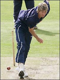 Glenn McGrath practises at Old Trafford