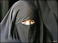 Veiled Shia Iraqi woman