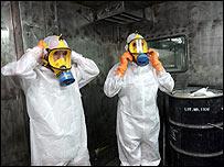 Technicians at Isfahan uranium conversion plant