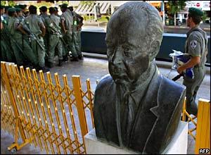 Statue of slain Israeli Prime Minister Yitzhak Rabin