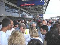 Crowd at Terminal 4