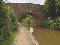 Canal bridge on Bilford Road, Worcester