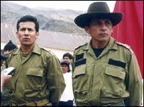 Ollanta Humala (izq) y su hermano Antauro, líder del motín (AP Photo/La Republica).