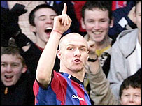 Andy Johnson celebrates his goal