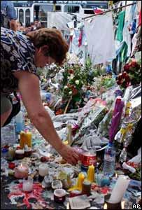 Argentina enciende una vela en memoria de las víctimas del incendio