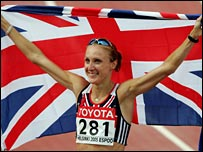 Paula Radcliffe celebrates after realising her dream of a world title