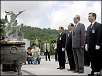 Members of the North Korean delegation visit the National Cemetery in Seoul