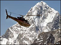 The Eurocopter starts its Everest mission