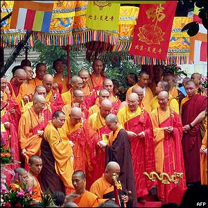 Buddhist priests from all over China in Beijing - 15/8/05