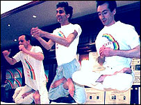 """Natural Law Party members demonstrate """"yogic flying"""""""
