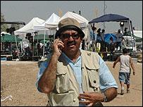 Al-Jazeera's Jerusalem editor Walid al-Omari at the Kissufim crossing