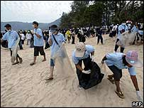 Hundreds of volunteers join clear-up operation of Phuket beaches
