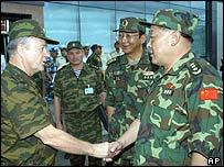 Col Gen Vladimir Moltenskoi greets Gen Liang Guanglie in Vladivostok