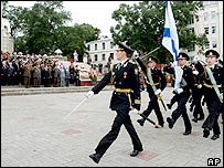 Russian honour guards march past saluting Chinese and Russian commanders, Aug. 18. 2005
