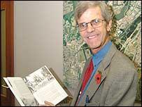 Author Bernard Lewis