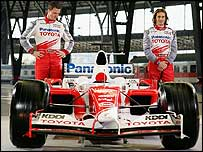 Ralf Schumacher (left) and Jarno Trulli with the new Toyota