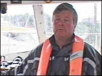 Skipper Steve Lewis