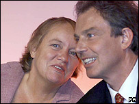 Tony Blair and Mo Mowlam at the Labour party conference in 2000