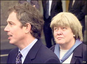 Tony Blair and Mo Mowlam in 1998