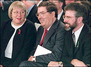 Mo Mowlam with SDLP leader John Hume and Sinn Fein President Gerry Adams in 1997