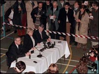 Mo Mowlam at a news conference in the Maze