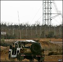 Israeli army vehicle on the Philadelphi road
