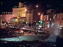 Oban sea front as waves pick up in the high winds