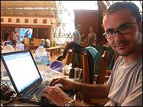 David Jiménez en el centro de prensa, Aceh