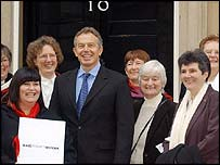 Campaigners meet Tony Blair