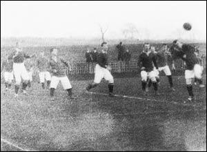 Burnley vs Manchester United. Copyright: The British Film Institute