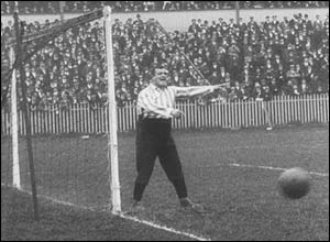 Sheffield United goalkeeper Fatty Foulkes, 1902. Copyright: The British Film Institute