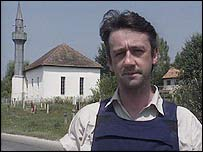 Allan Little in Bosnia in 1992