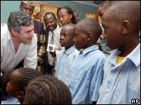 Gordon Brown en Tanzania