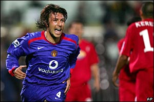 Gabriel Heinze makes it 2-0