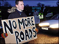 Anti-roads protester at Linslade, Bucks