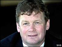 United manager Gordon Chisholm