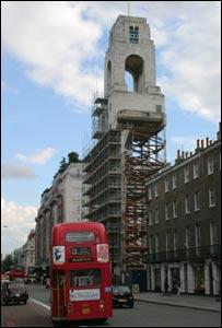 Torre del reloj sobre Baker Street, Londres. Foto: Roberto Belo.