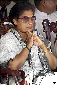 Chandrika Kumaratunga at the funeral of foreign minister Lakshman Kadirgamar