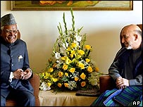 Afghan President Hamid Karzai and Indian External Affairs Minister Natwar Singh
