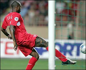 Djibril Cisse taps in the equalizer. What a Belter!