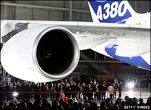Airbus A380 wing and engine
